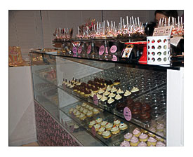 Cupcake Display Casetransport And Serve Cupcakes With Ease